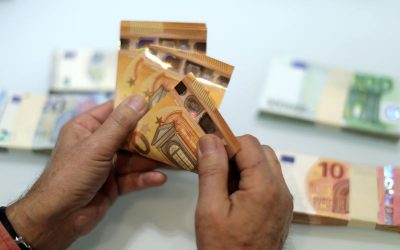 Euro Benefits From Talk of 'Corona' Bonds