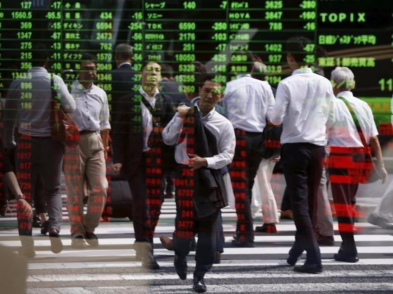 Asian stocks fall on U.S. stimulus uncertainty
